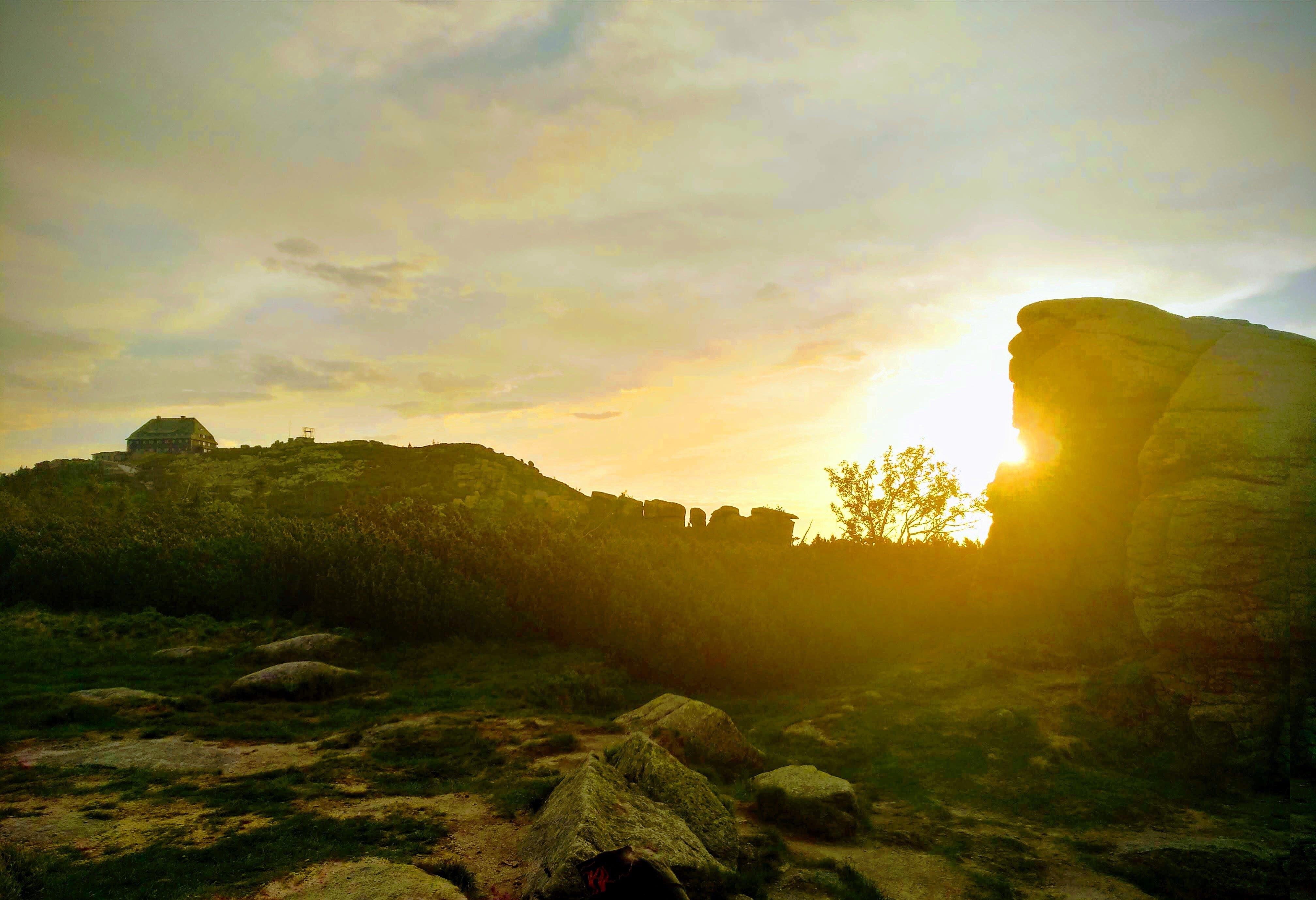 Krakonošova 100  - východ slunce na hřebenech Krkonoš