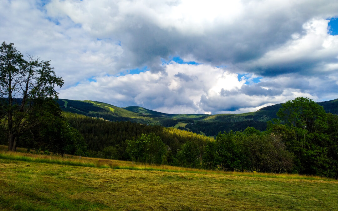 5 nevyžádaných rad pro turisty, jak se chovat na horách a v přírodě