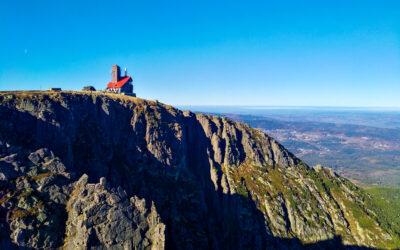 Jak porazit inverzi aneb za podzimní výhledy z hřebenů Krkonoš